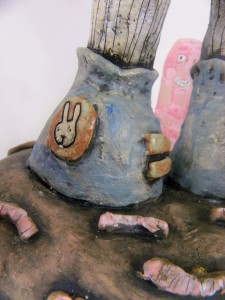 here is a detail of his shoe adorned with the head of a rabbit.